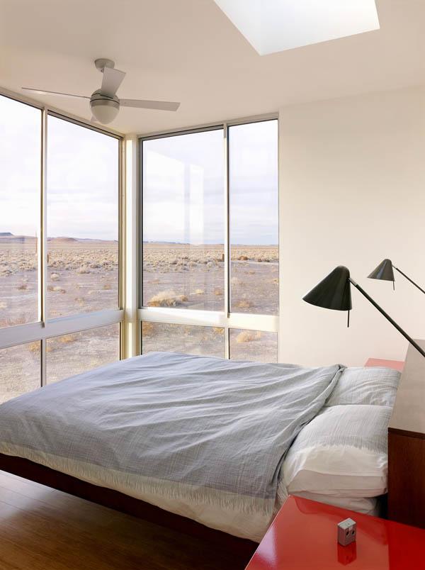 El Baño Lleva Zocalo:casa de diseño en el desierto