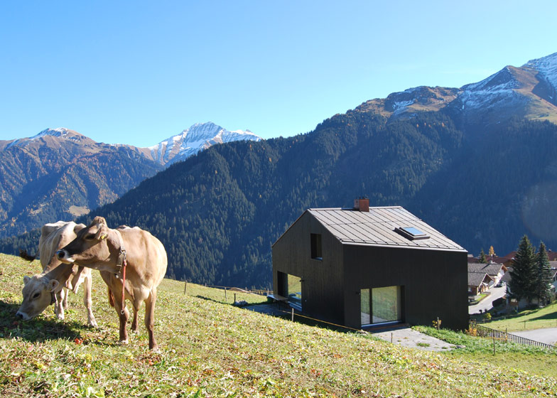 Moderna casa de vacaciones en suiza domusxl - Casas en los alpes suizos ...