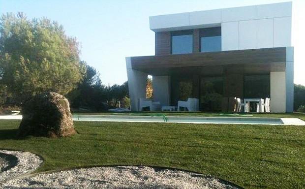 Casa de a cero en madrid domusxl for Casas prefabricadas de diseno joaquin torres