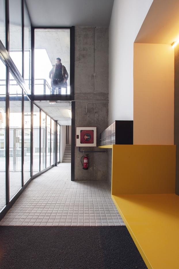 Bloque de viviendas-España-9-arquitectura-domusxl
