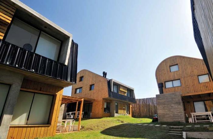 Complejo Pueblo Rivero-Uruguay-3-arquitectura-domusxl